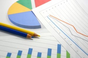 グラフと色鉛筆